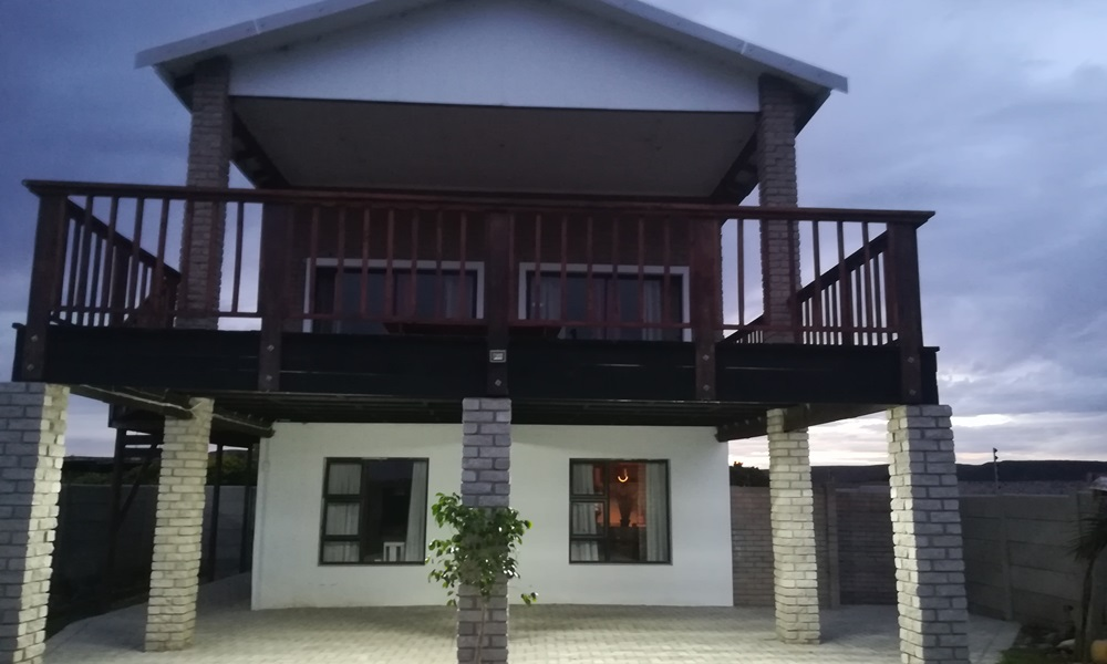 Ikhumba Self Catering Unit Outside