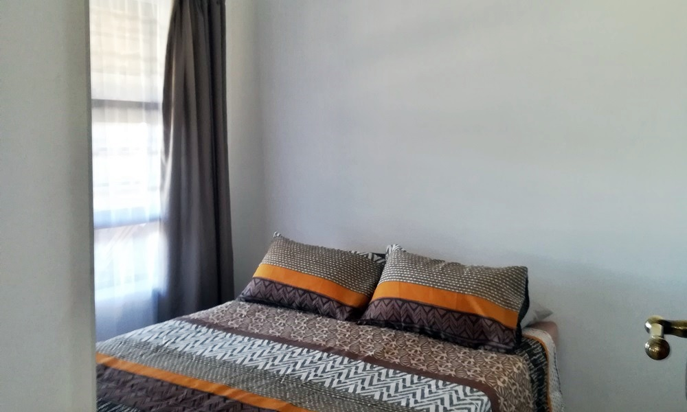 Indlovu Self Catering Unit Bedroom2